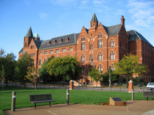 Saint Louis University Best ESTP College